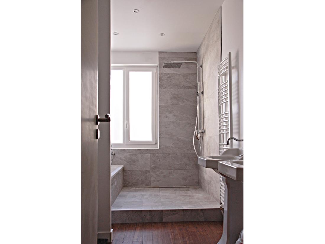 Salle de bain douche à l'italienne. Nantes